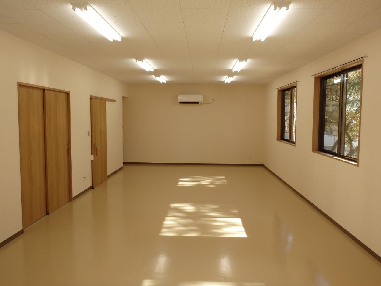 平川町町内会館 会議室1